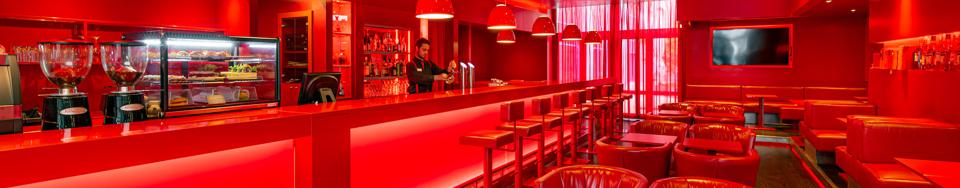 Red_bar_B_NH_prague-city_184_web